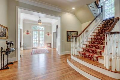8425 SENTINAE CHASE DR, Roswell, GA 30076 - Photo 2