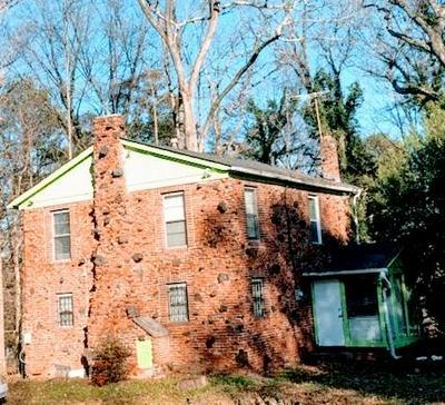 889 MCWILLIAMS RD SE, Atlanta, GA 30315 - Photo 1