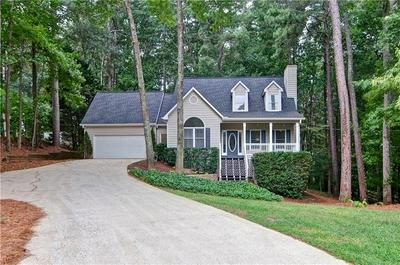 560 DRAKE LN, Canton, GA 30115 - Photo 1