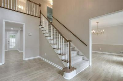 5077 WILLOW POINT PKWY, Marietta, GA 30068 - Photo 2