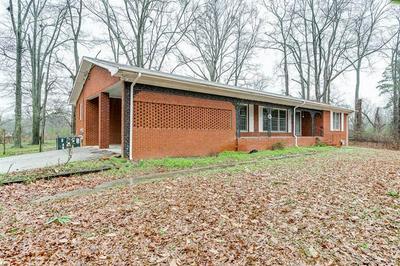 40 W HENDRICKS ST, BOWMAN, GA 30624 - Photo 2