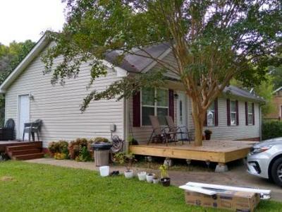 1307 EUGENE DR, Gainesville, GA 30507 - Photo 1