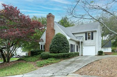 301 ROSWELL GREEN LN, Roswell, GA 30075 - Photo 2