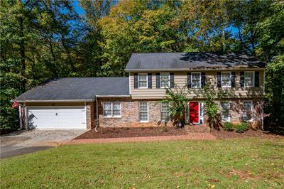 9400 N LAKE DR, Roswell, GA 30076 - Photo 1