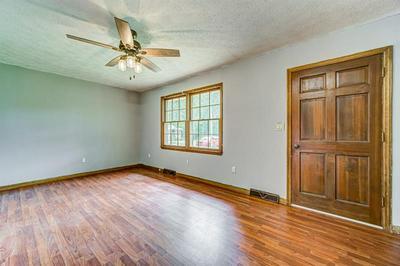 121 HILLCREST ST, Commerce, GA 30529 - Photo 2