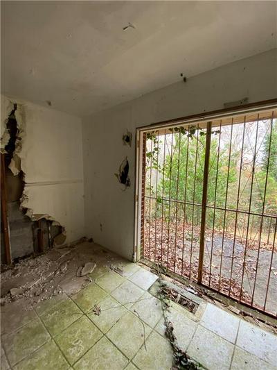 4395 BAKERS FERRY RD SW, Atlanta, GA 30331 - Photo 2