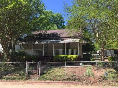 70 GRADY SMITH ST, Grantville, GA 30220 - Photo 1