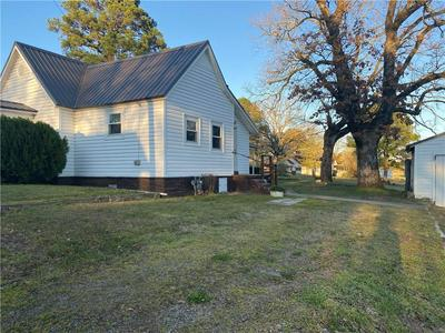 509 S 10TH ST, Paris, AR 72855 - Photo 2