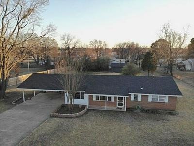 402 LYNN LN, MULDROW, OK 74948 - Photo 1
