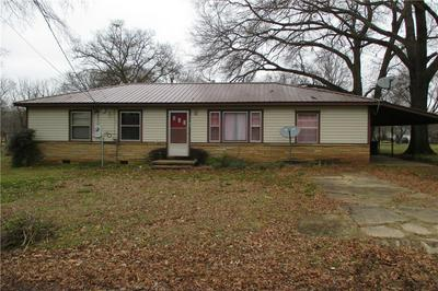 1105 E MAIN ST, Paris, AR 72855 - Photo 1
