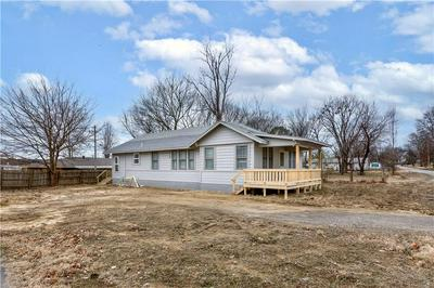 214 SE 6TH ST, Muldrow, OK 74948 - Photo 1