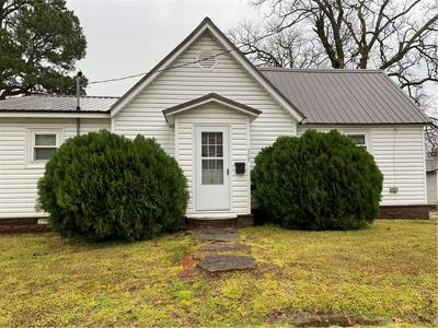 509 S 10TH ST, Paris, AR 72855 - Photo 1