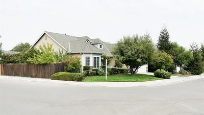 6868 E ANDREWS AVE, Fresno, CA 93727 - Photo 2