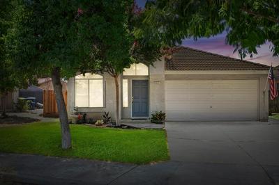 4621 W UNIVERSITY AVE, Fresno, CA 93722 - Photo 2