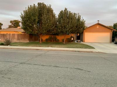 1704 DE WITT AVE, Sanger, CA 93657 - Photo 2