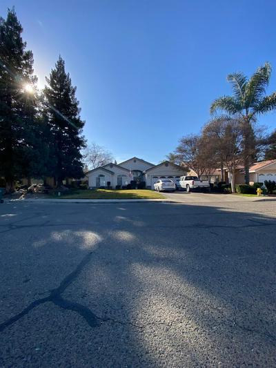 1637 E PARKVIEW AVE, Visalia, CA 93292 - Photo 1