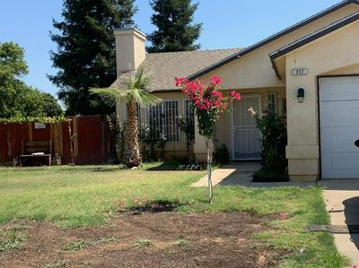 717 MAGNOLIA AVE, Sanger, CA 93657 - Photo 2