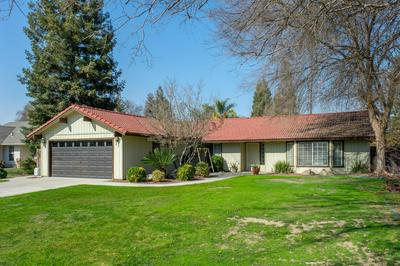 308 W HUNTSMAN AVE, Reedley, CA 93654 - Photo 2