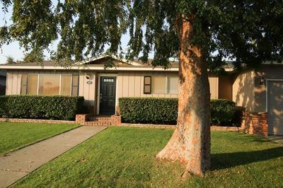 550 W CARPENTER AVE, Reedley, CA 93654 - Photo 1
