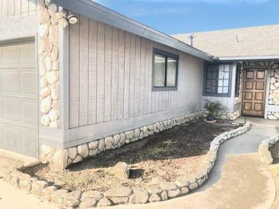 1642 E SANDALWOOD AVE, Tulare, CA 93274 - Photo 2
