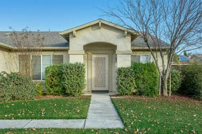 2579 S WALDBY AVE, Fresno, CA 93725 - Photo 1