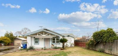 2020 10TH AVE, Kingsburg, CA 93631 - Photo 1