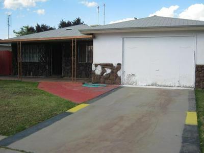 931 QUINCE ST, Mendota, CA 93640 - Photo 2