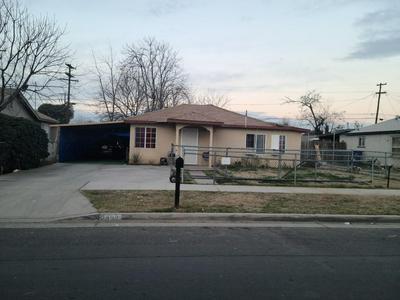 2492 S PRICE AVE, Fresno, CA 93725 - Photo 1