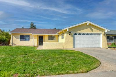3067 N BRUNSWICK AVE, Fresno, CA 93722 - Photo 1