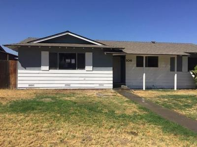 106 S JOAQUIN ST, Coalinga, CA 93210 - Photo 2