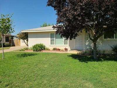 475 N PERRY AVE, Dinuba, CA 93618 - Photo 1