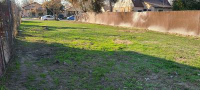 2681 S 11TH ST, Fresno, CA 93725 - Photo 2