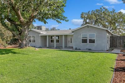 14098 S CHESTNUT AVE, Fresno, CA 93725 - Photo 2