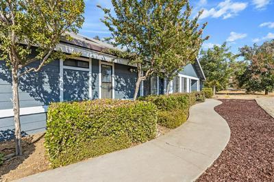 10426 E BULLARD AVE, Clovis, CA 93619 - Photo 2
