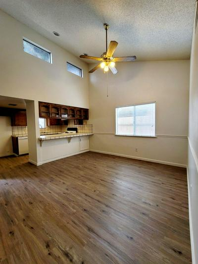 1201 S 6TH AVE, Kingsburg, CA 93631 - Photo 2