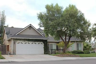4797 W OSWEGO AVE, Fresno, CA 93722 - Photo 1