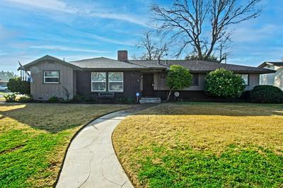 5436 E MADISON AVE, Fresno, CA 93727 - Photo 1