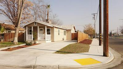 704 N 6TH ST, Fresno, CA 93702 - Photo 2