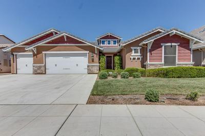 3245 LEXINGTON AVE, Clovis, CA 93619 - Photo 1
