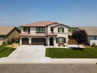 368 N GLEASON AVE, Fowler, CA 93625 - Photo 1