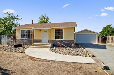 12698 E CLARKSON AVE, Kingsburg, CA 93631 - Photo 1