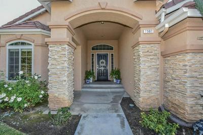 7597 N PAULA AVE, Fresno, CA 93720 - Photo 2