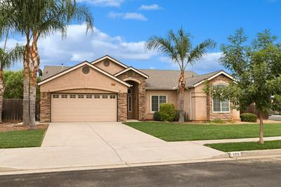 122 N HAWLEY AVE, Sanger, CA 93657 - Photo 2