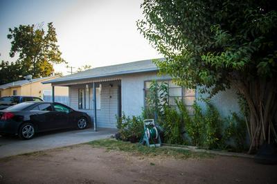 2446 S ROWELL AVE, Fresno, CA 93725 - Photo 2