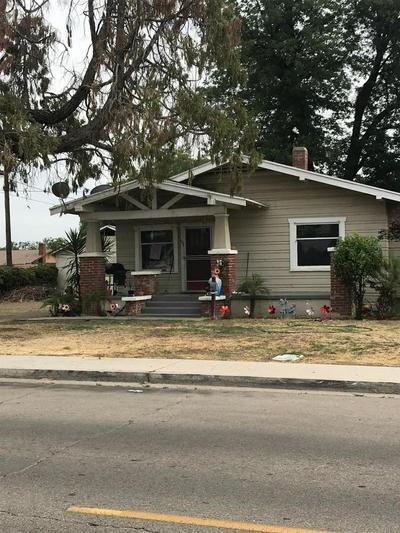 696 KERN ST, Kingsburg, CA 93631 - Photo 1