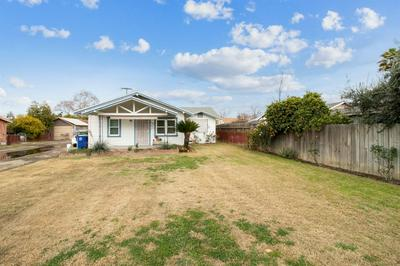 2020 10TH AVE, Kingsburg, CA 93631 - Photo 1