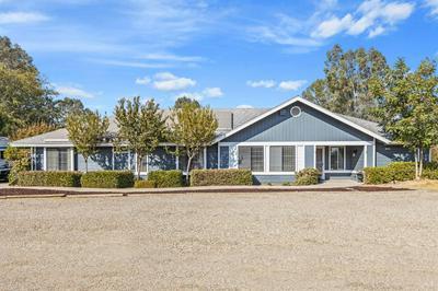 10426 E BULLARD AVE, Clovis, CA 93619 - Photo 1