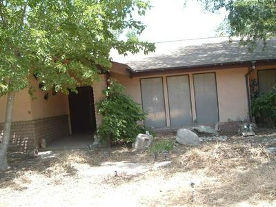 6934 S JAMESON AVE, Fresno, CA 93706 - Photo 2