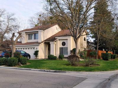 9568 N KEYSTONE CT, Fresno, CA 93720 - Photo 1