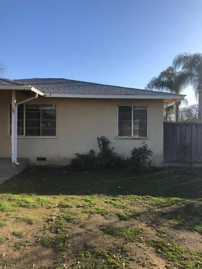 5540 E PONTIAC WAY, Fresno, CA 93727 - Photo 2